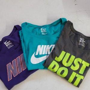 Lot of 3 Nike Women's tshirts sz XL